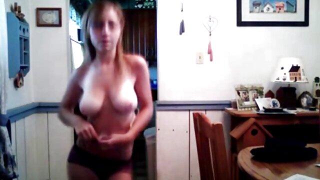 Aku tidak cerita sex tante galak peduli!