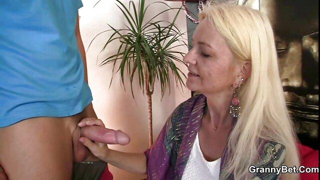 Istri teman cerita sex ngentotin janda