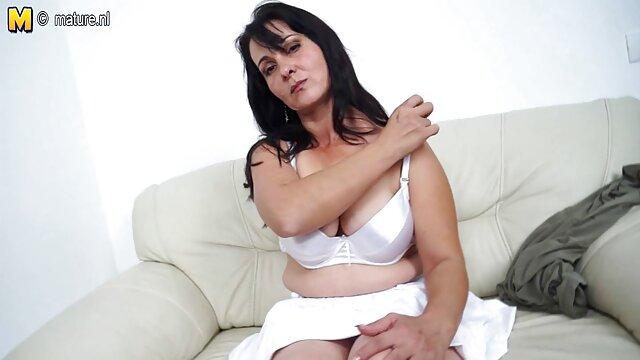 Erangan pirang dari tante cerita seks kekasih besarnya