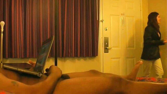 Gadis periang cerita sex mama dan tante masturbasi